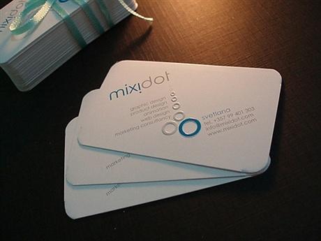 round corner,stylish business card